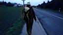 Cyril part de Lausanne avec son violon. Il a démissionné de son travail. Besoin de liberté.